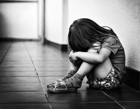 Orfani di femminicidio senza diritti